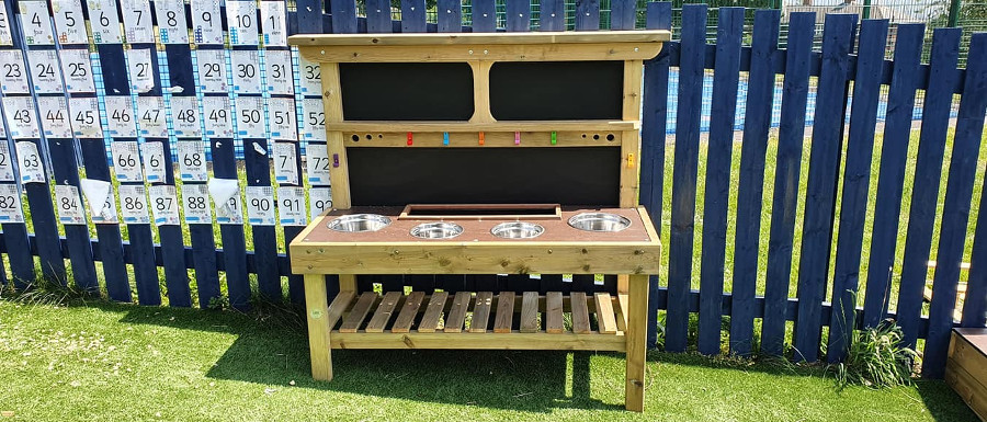 School mud kitchen created by Image Playgrounds
