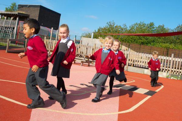 school children running their daily mile